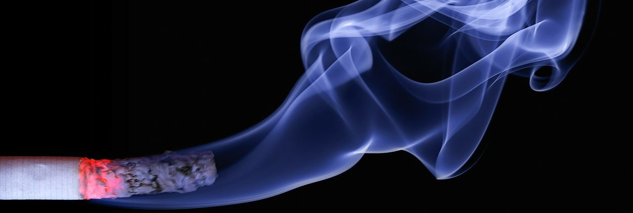 Bild på cigarett.