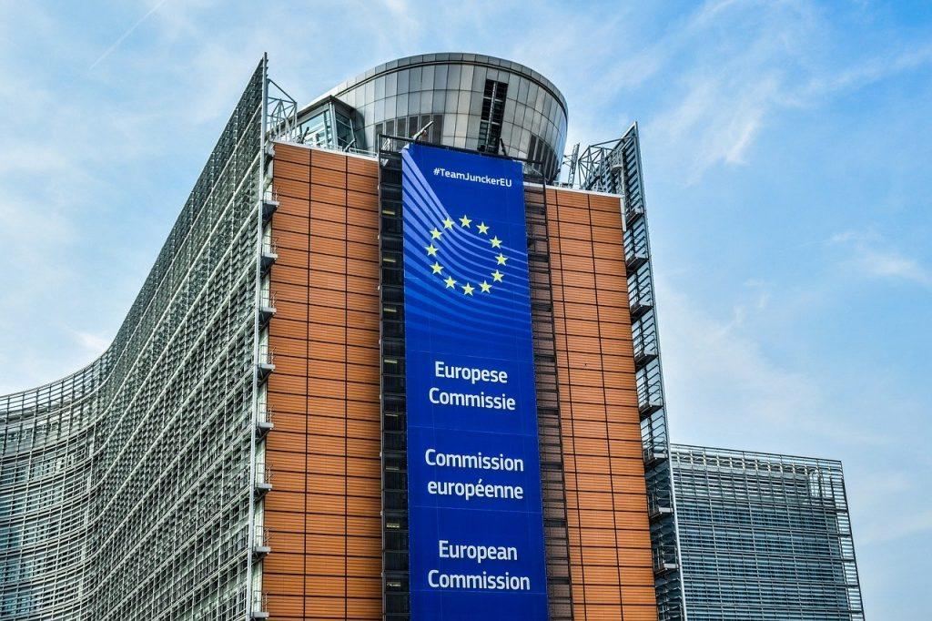 Vild på EU-kommissionens byggnad i Bryssel
